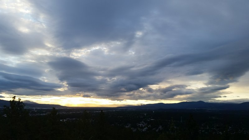 A 360 degree view of the Spokane area from Eagle Peak.