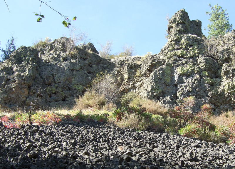 Looking up at the Basalt Bluffs about the terrace section of Trail 25.