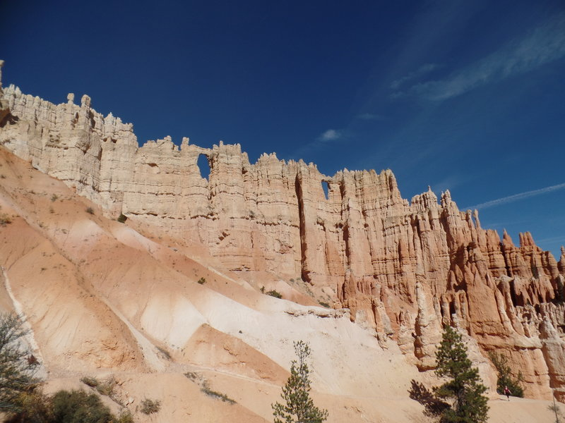 Wall of Windows as seen from the Navajo Loop in Bryce Canyon National Park