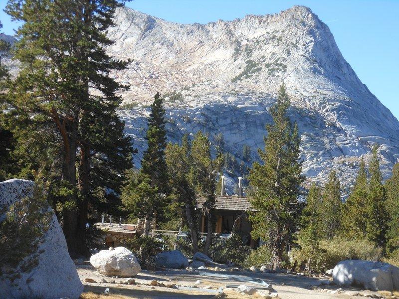 Vogelsang High Sierra Camp with Vogelsang Peak behind.