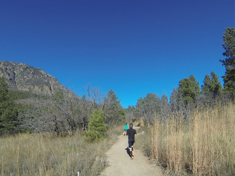 Headed out between North and South Talon during the NORAD Trail Race