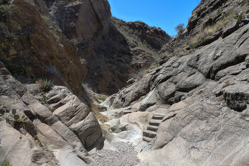 The Window Trail heading to the main event includes really neat built in steps making this hike fun to crawl over.