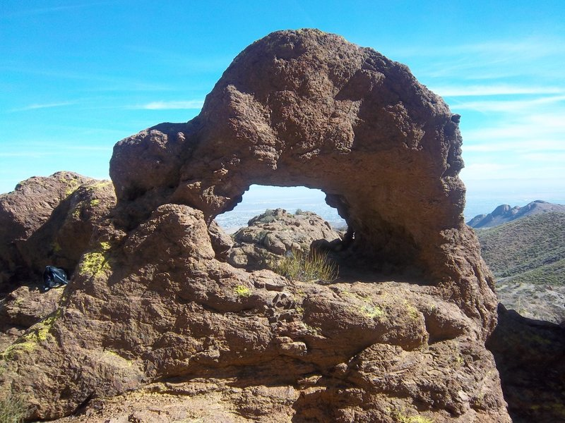 Natural arch near Mundy's Gap Road.