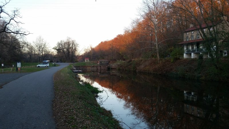 Schuylkill Canal and Locktender House.