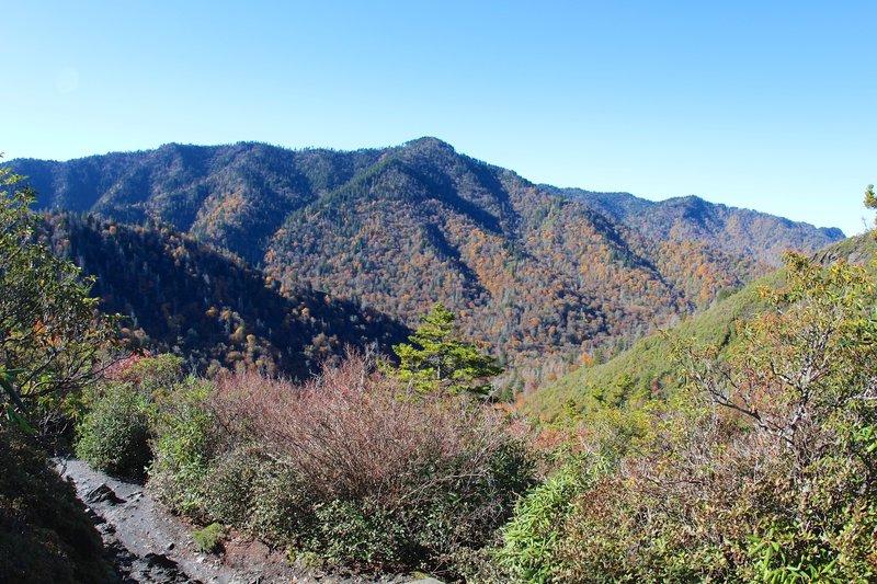 Plenty of scenic overlooks on the trail.