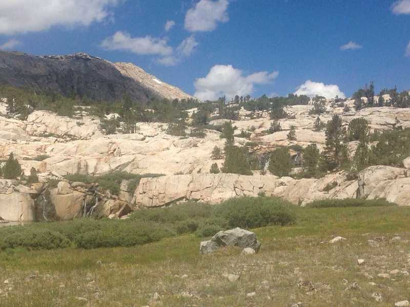 A view up into one of the basins below Piute Pass.