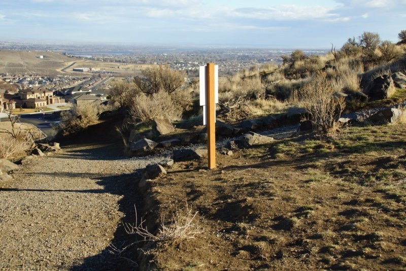 Views of Richland spread out from the Canyon Trail's connection to the Sagebrush Trail.