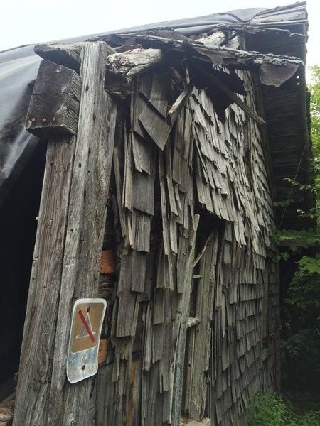 High Rocks firetower caretaker's cabin - exterior