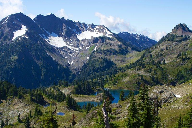 View of Hart Lake and Mt Duckabush, taken from the ridge above the lake (Hart Lake Way Trail).