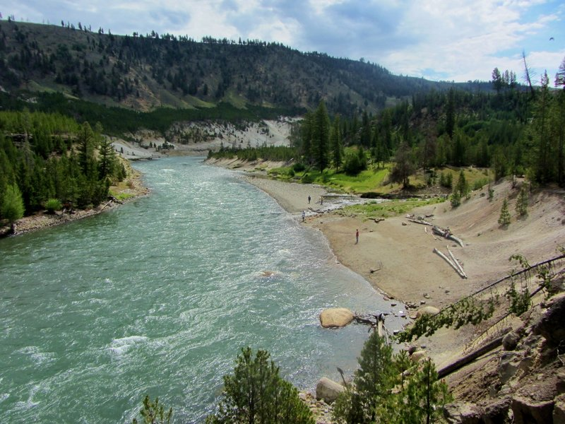 Looking up the Yellowstone River at the Bannock Ford.