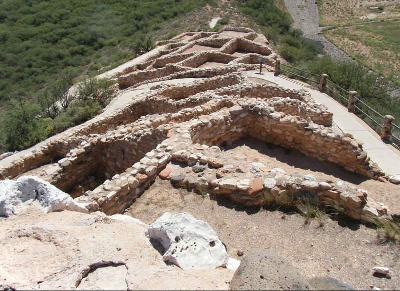 The Tuzigoot Ruins Trail weaves right through this ancient Pueblo.