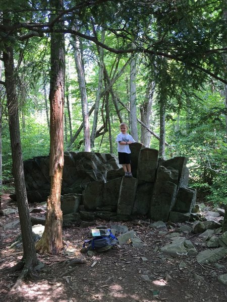 Rock formations along the Limberlost Trail.