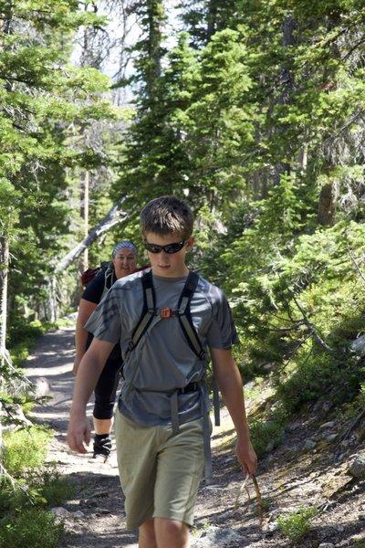 Hiking along Trail #1130 on the way to Rainbow Lake.