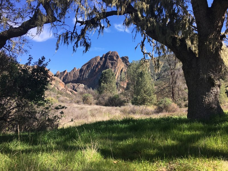 Looking towards Machete Ridge from the Balconies Trail.