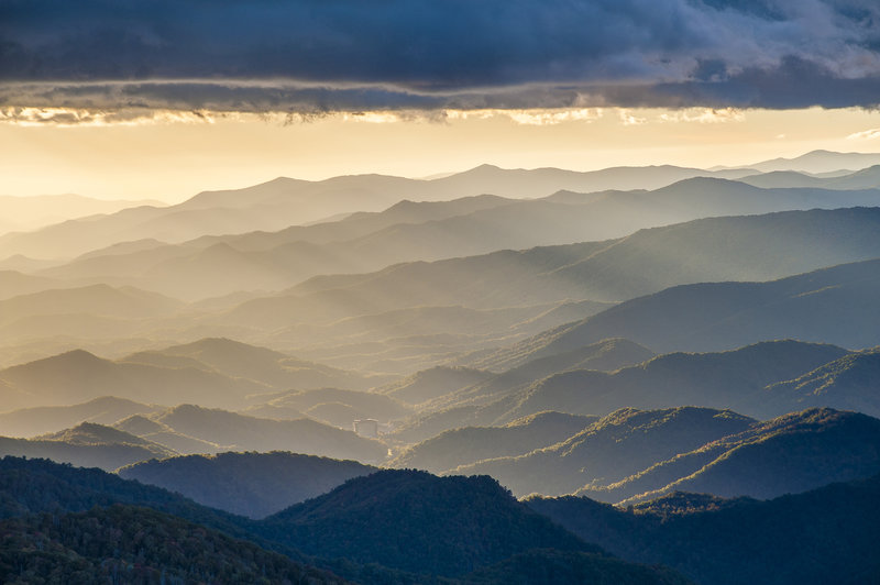 Rays and ridges from Waterrock Knob. Photo by Robert Stephens.