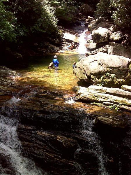 Skinny Dip Falls on Segment 2 of the Mountains-to-Sea Trail. Photo by PJ Wetzel, www.pjwetzel.com.