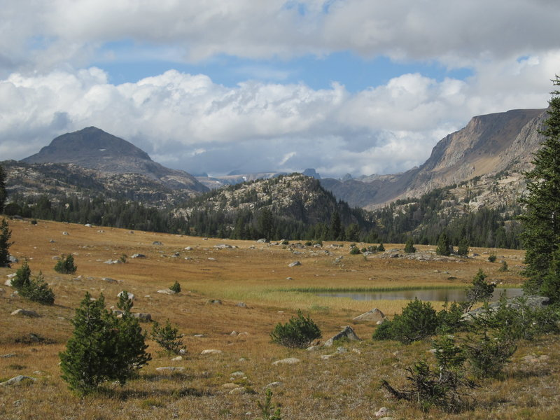 Beartooth Plateau and glaciated valley from the northern end of Island Lake.