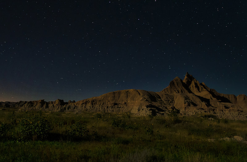 A beautiful night sky in Badlands National Park.