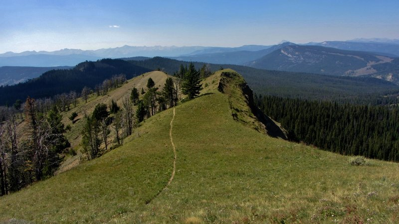 On the Sky Rim Trail, looking west toward Dailey Pass.
