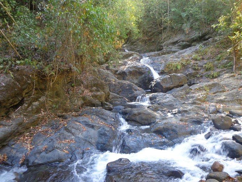 Cawa-cawa Waterfalls