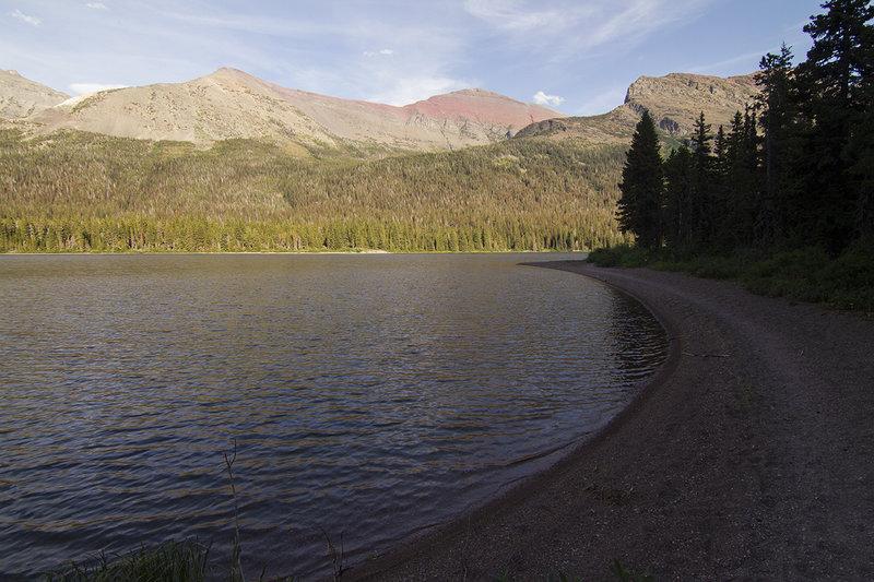 View along Elizabeth Lake on the way to Helen Lake.