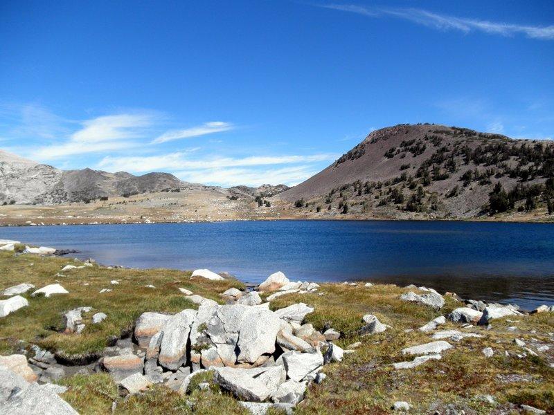 Gaylor Lake on a beautiful alpine day (photo by 4johny5).