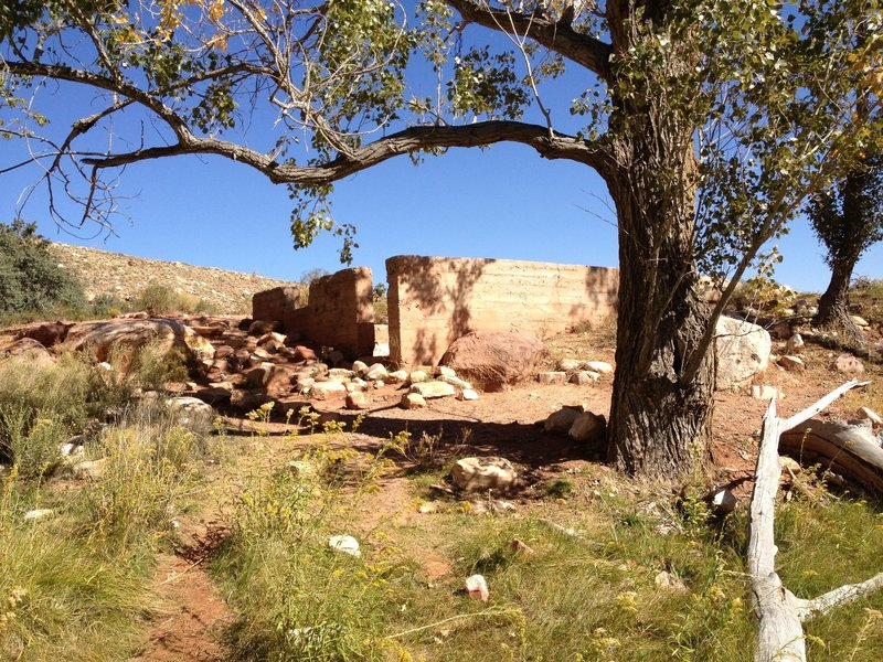 Old ruins along the Pine Creek Trail.