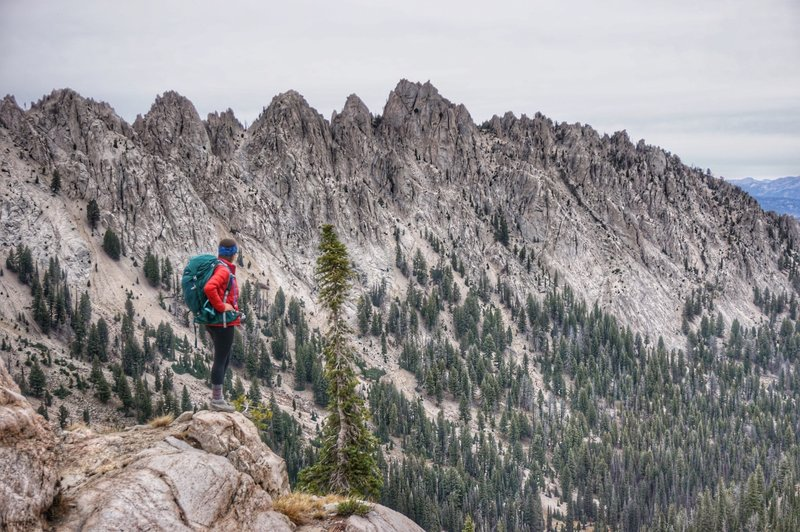 Above Alpine Lake, views of the Sawtooth Mountains looking north.