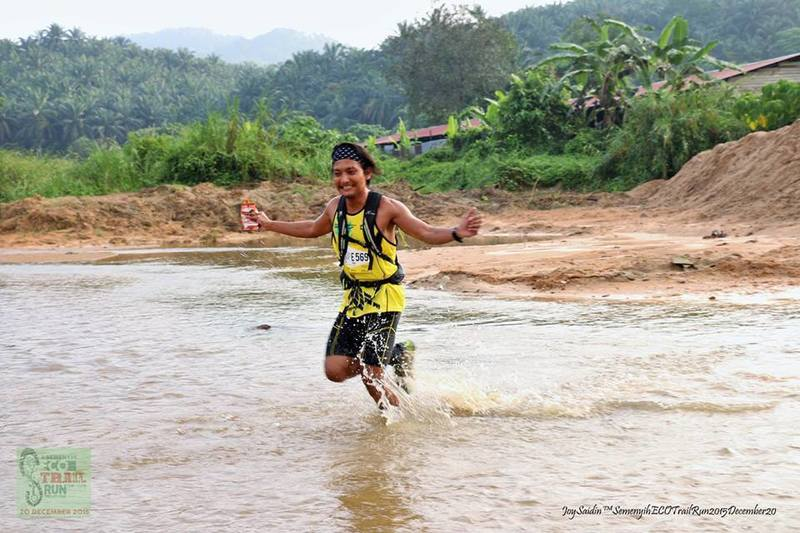 River crossing, 200m before finishing.