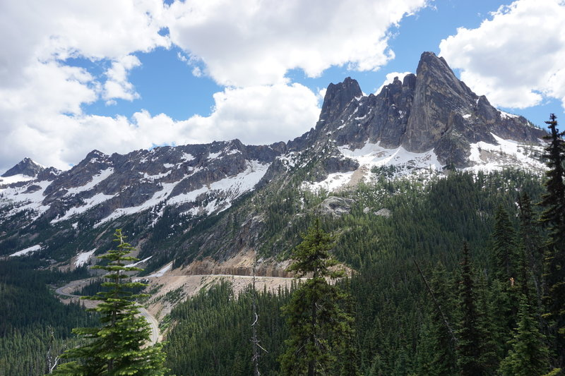The view of Liberty Bell Mountain and surrounding mountains from Washington Pass observation point is simply stunning.