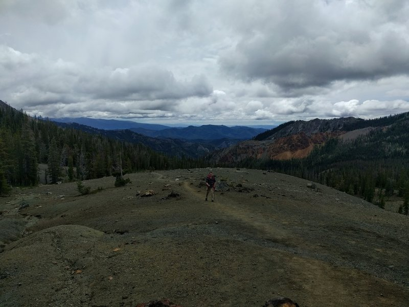 Hiking up to Navaho Pass on a cloudy day.