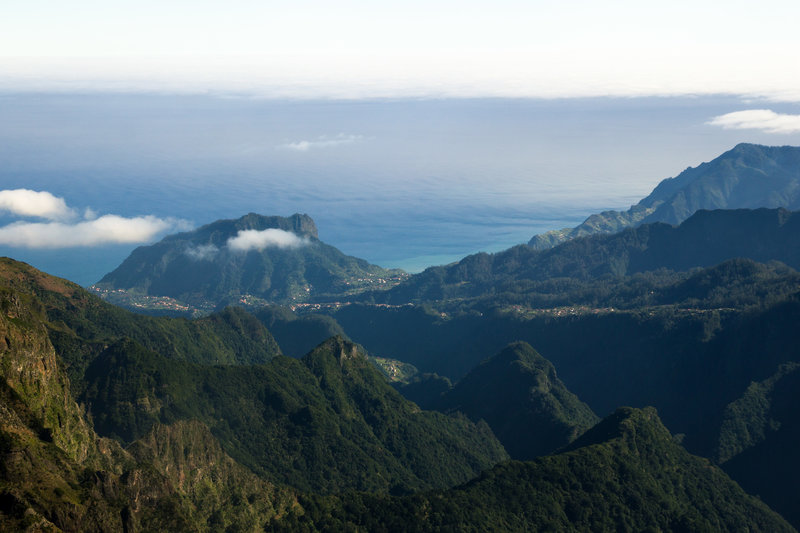 View from the footpath from Pico do Arieiro to Pico Ruivo.