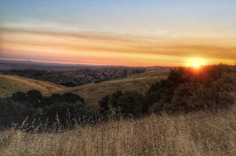 Sunrise view from Eagle Spring backpacker's camp on Mission Peak.
