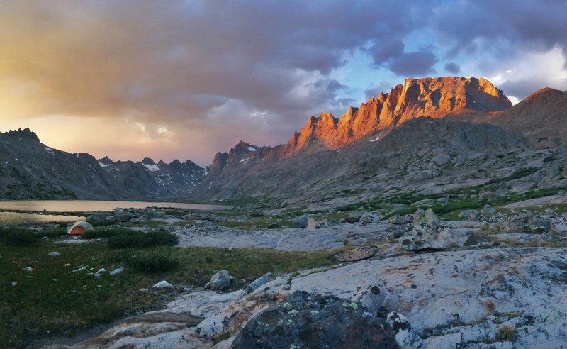 A beautiful sunset in Titcomb Basin.