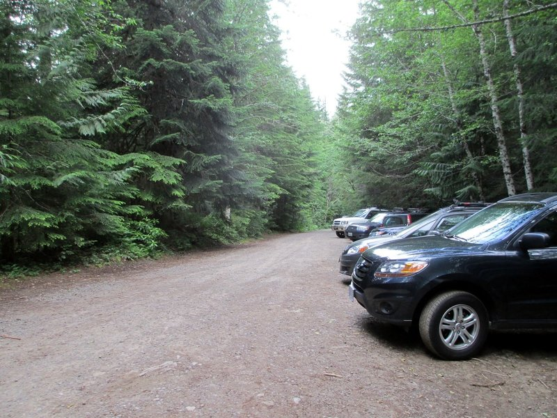 Burnt Lake Trailhead parking is limited. Photo by Chris Herndon.