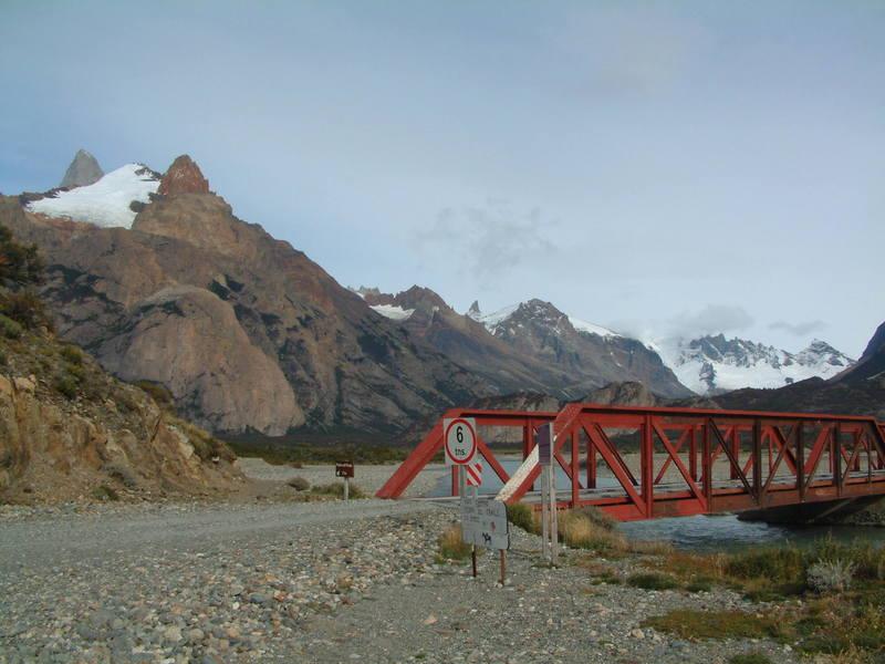 Start of the trail to Piedra del Fraile at the bridge over Rio Electrico.