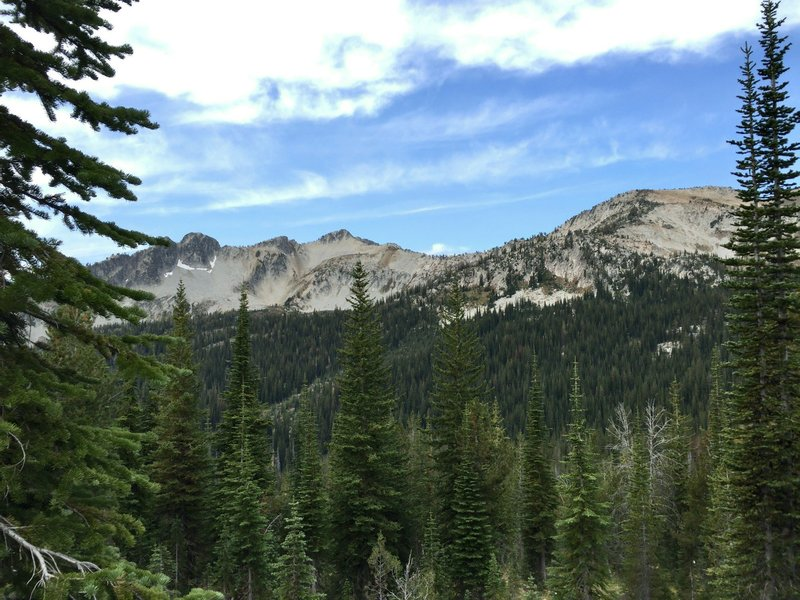On the trail from Minam Lake to Mirror Lake.