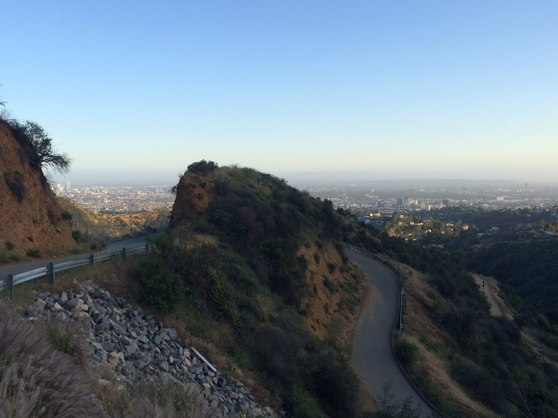 A hairpin turn in Mt. Lee Drive.