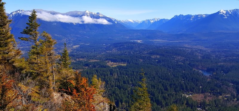 The view from the upper Rattlesnake Mountain ledge.