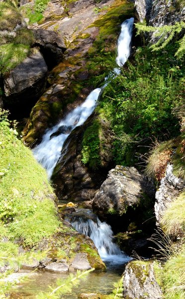 The movement of a small waterfall ..... you can almost hear the noise!