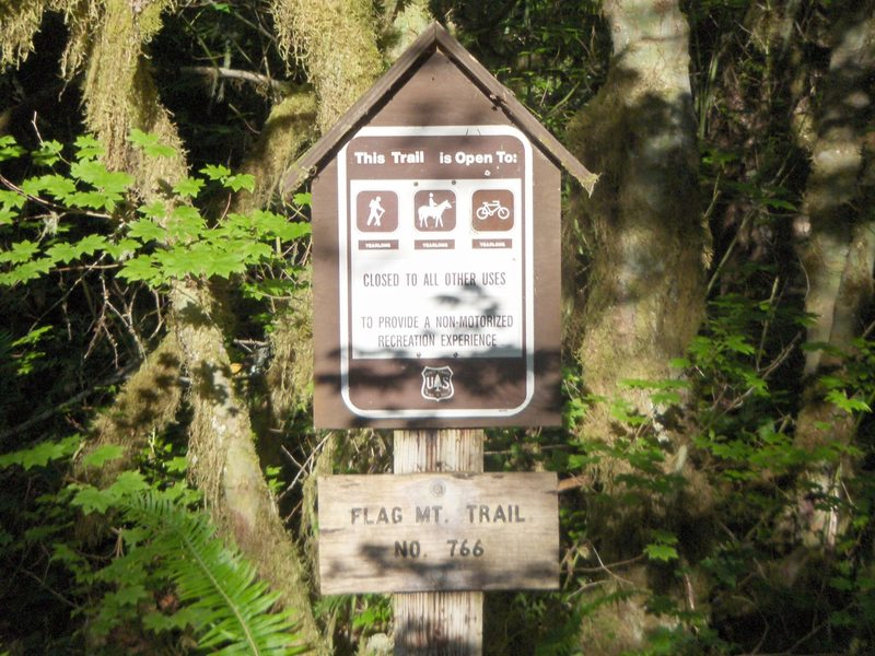 Flag Mountain Trailhead is fairly small. Photo by USFS.