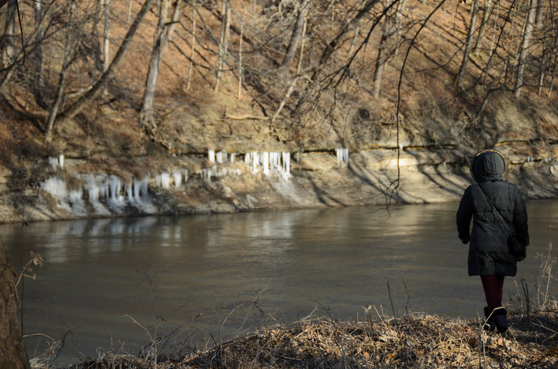 Walking along the icy riverbank of the Vermillion.