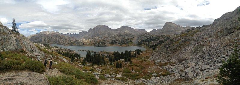 Dropping in towards Island Lake.