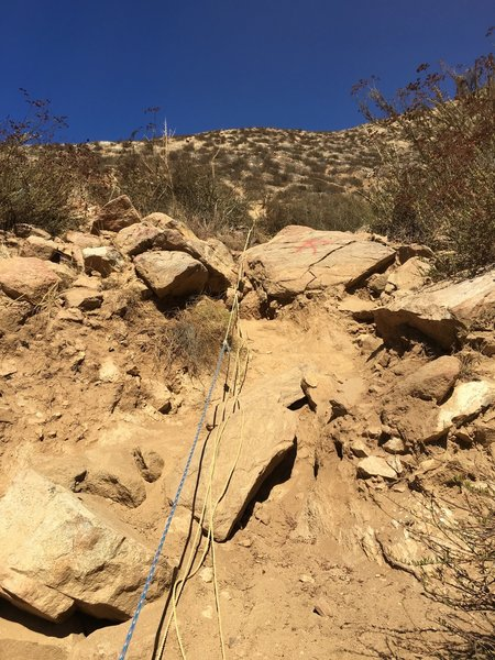 Caution! Very poorly done fixed lines on trail. Don't trust your life to them.