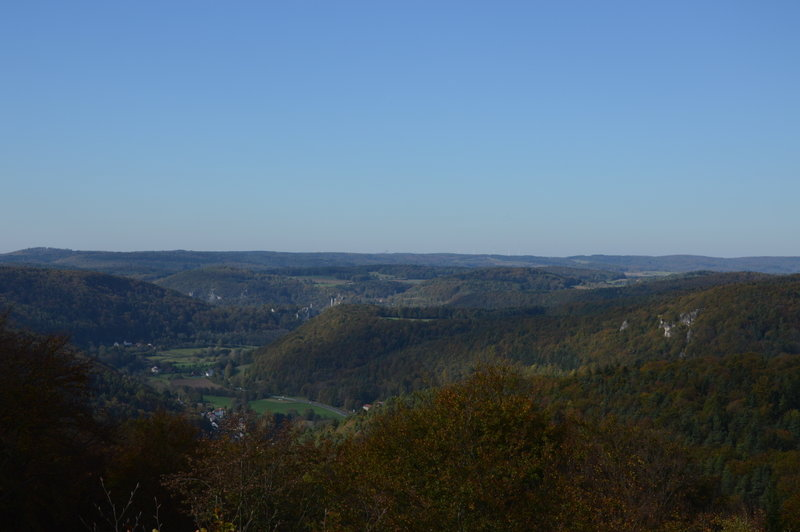 The view from Hohes Kreuz to the valley Wiesent and ruin Neideck.