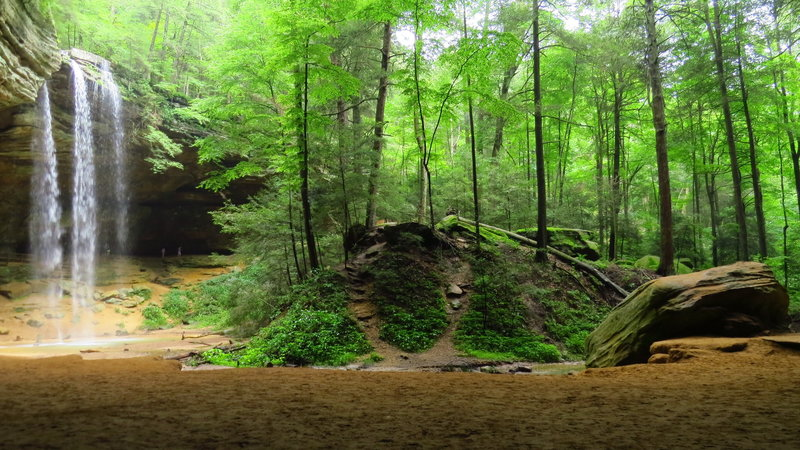 Ash Cave with waterfall after the rain. An easy hike in the Hocking Hills along the lovely Ash Cave Gorge Trail.