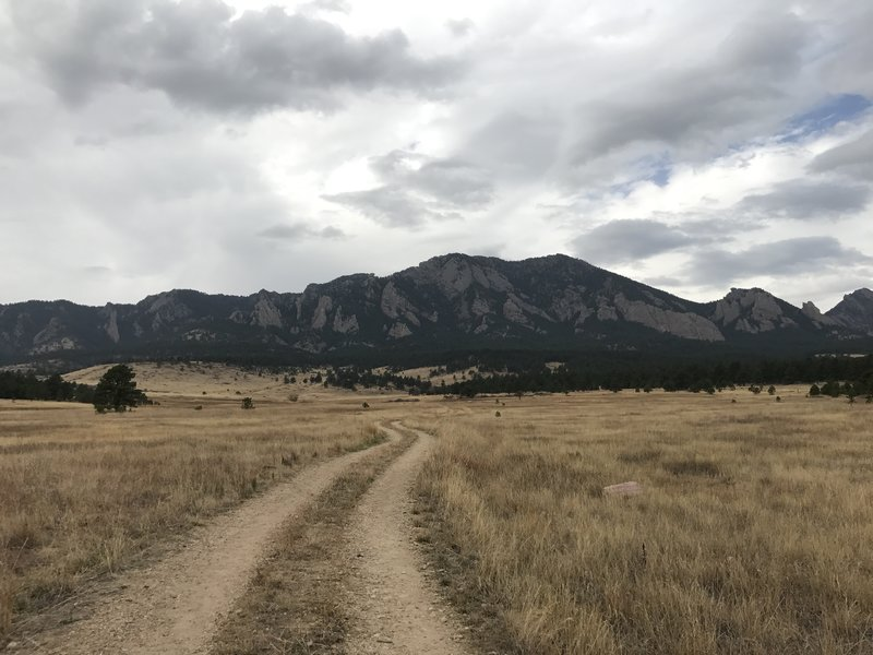 Looking back at Bear and South Boulder peaks from the Lower Big Bluestem Trail.