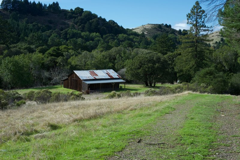 A view of this barn and the surrounding hills sits off to the left of the trail as you descend into the preserve. It is closed to the public.