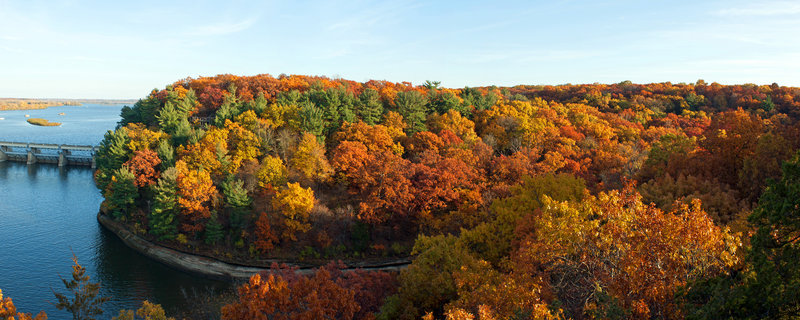 Fall colors at Starved Rock State Park.