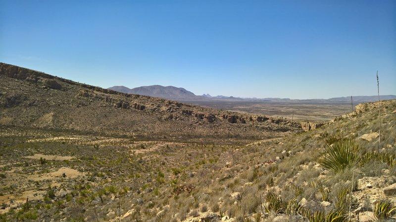Cresting ridge on east side heading back toward Devil's Den.